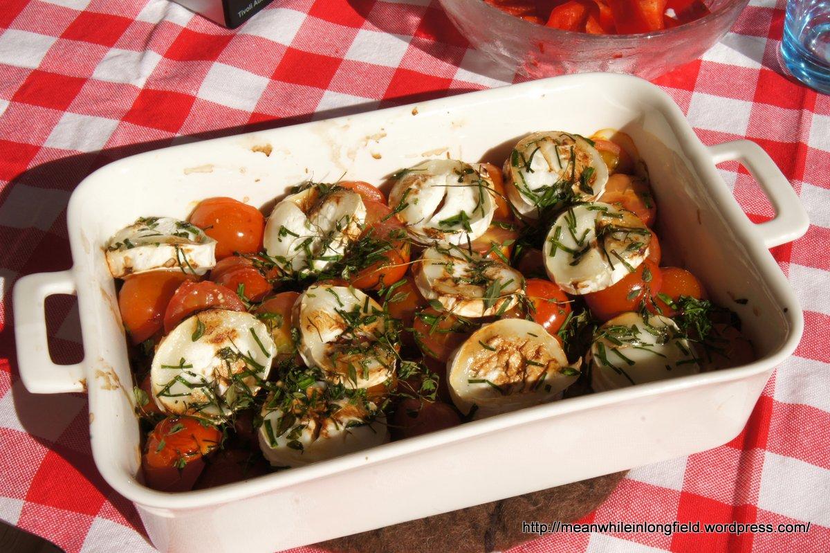 vuohenjuusto-tomaattisalaatti
