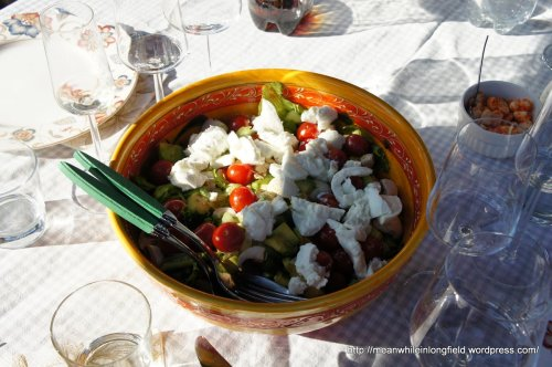 buffalo mozzarella salaatti