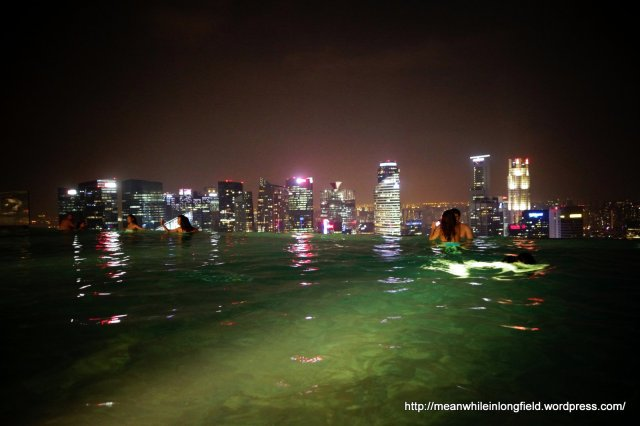 infinity pool marina bay sands singapore (12)