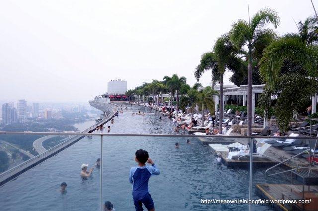infinity pool marina bay sands singapore (6)