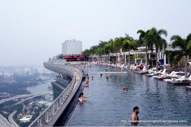 infinity pool marina bay sands singapore (7)