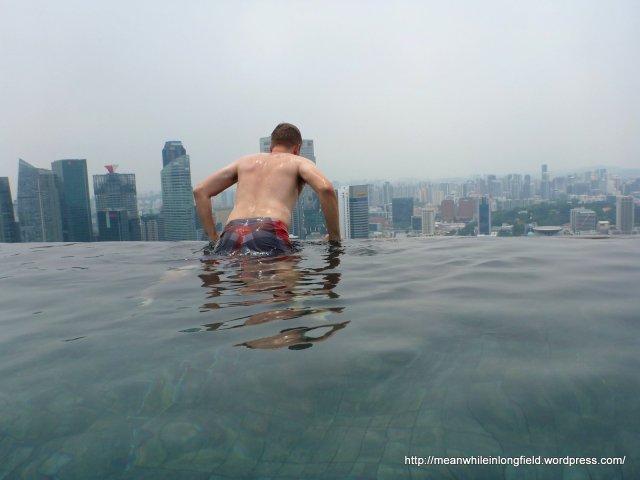 infinity pool marina bay sands singapore (8)