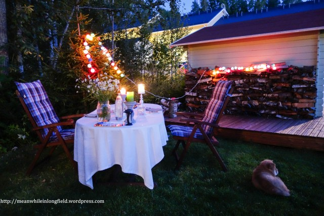 illallinen taivaan alla_c_piha_.jpg