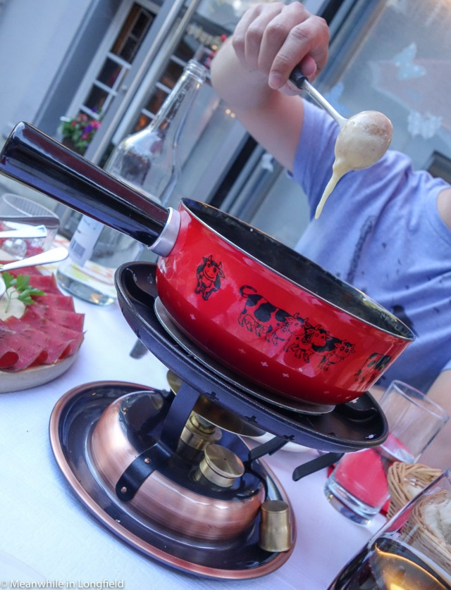 swiss cheese fondue3