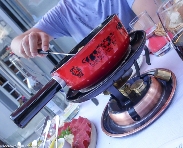 swiss cheese fondue4